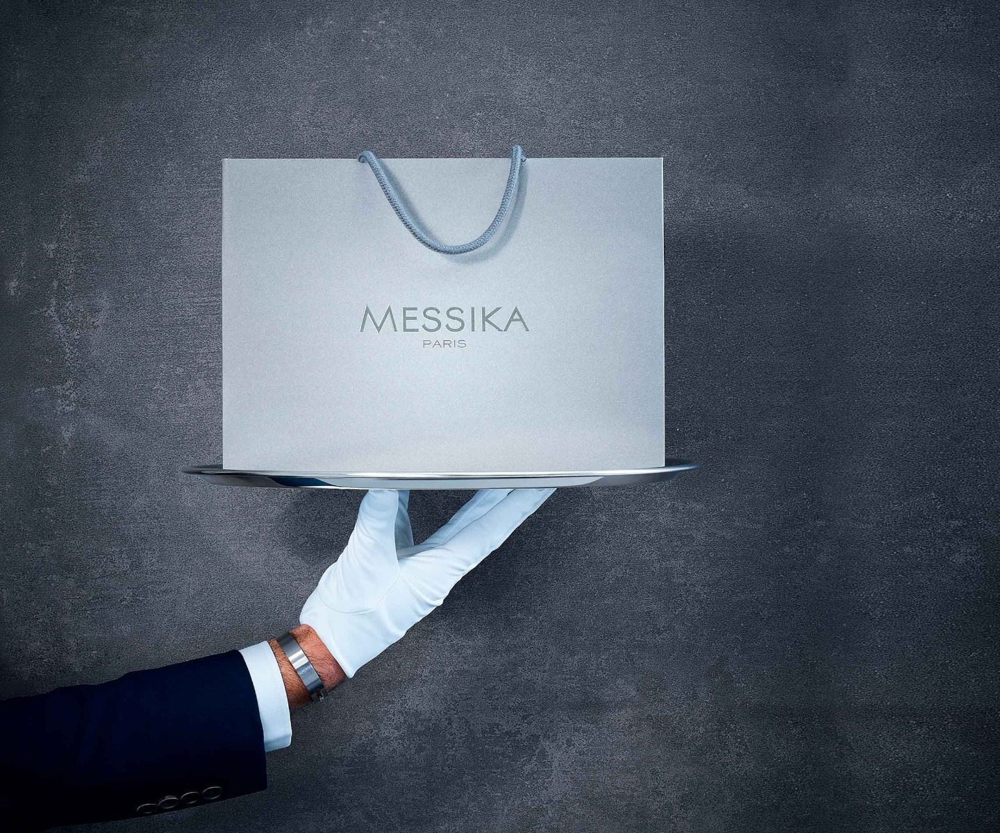 messika-art-of-giving