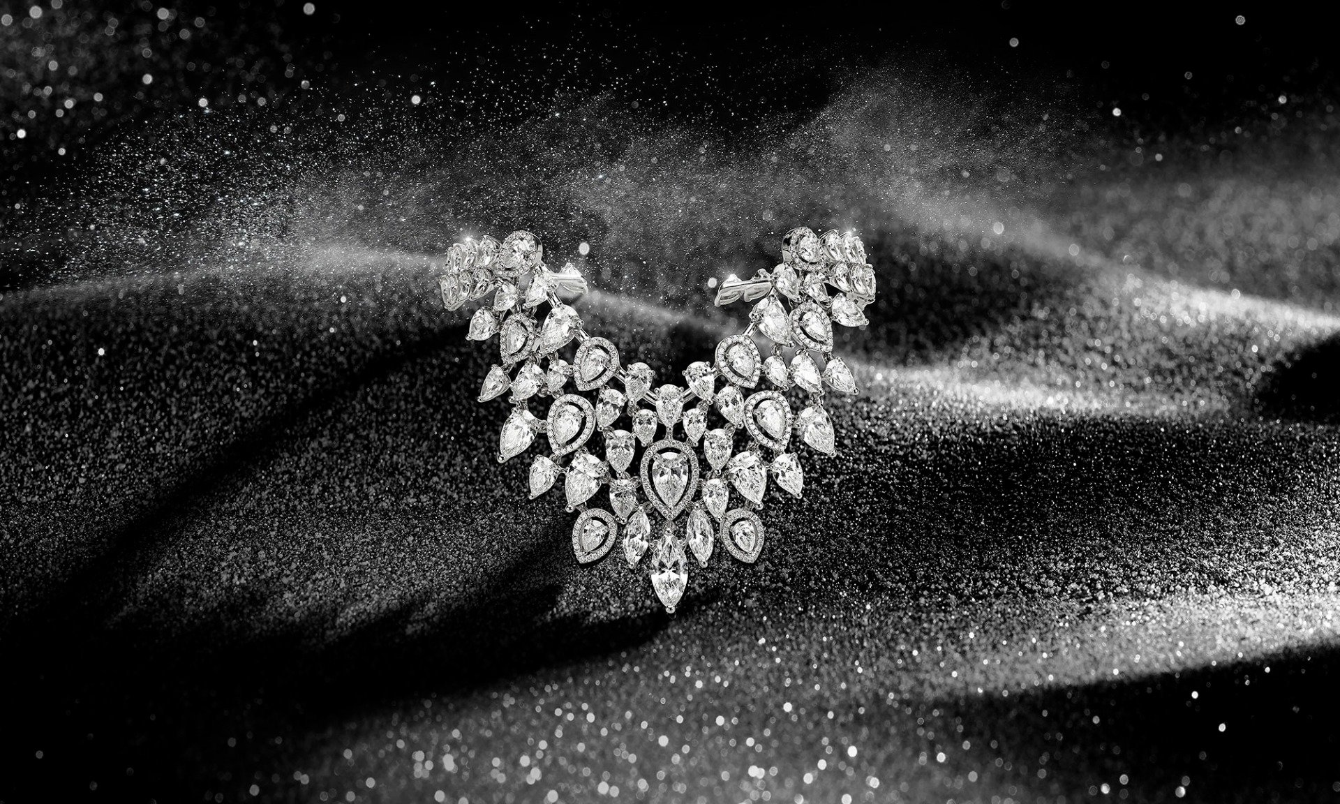 messika-high-jewerly-roaring-diamonds-collection-mobile